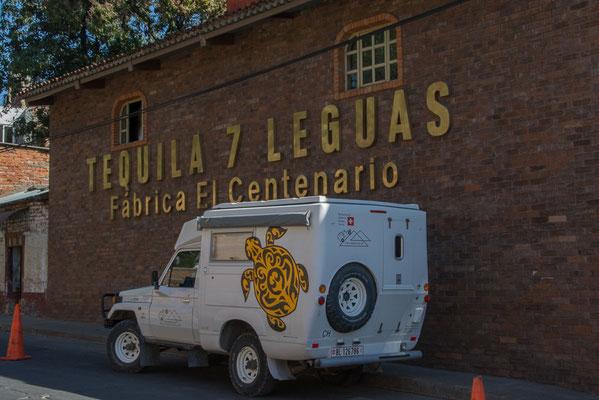 """Vor der Destillerie """"7 Leguas"""""""