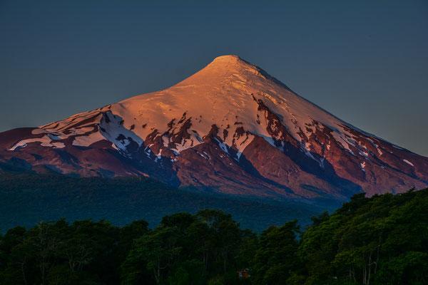 Alpenglühn am Vulkan Osorno