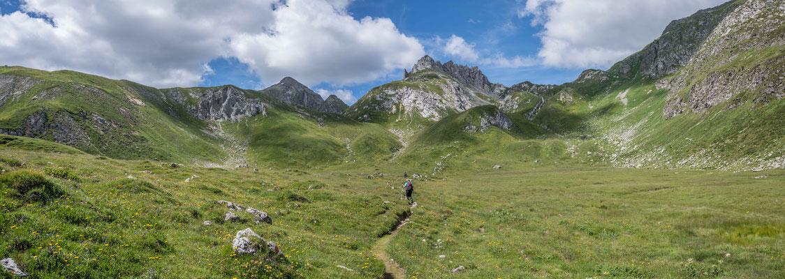 Wanderung um den Pizzo d'Uomo vom Lukmanierpass