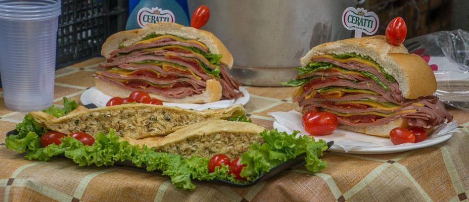 Die bekannteste, kulinarische Spezialität von Sao Paulo: Das gigantische Mortadella Sandwich