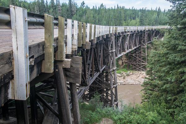 Die letzte Holzbrücke am alten Alcan
