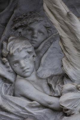 Der Kuss / Die verlorenen Kinder (4) - © Helga Jaramillo Arenas - Fotografie und Poesie / August 2016
