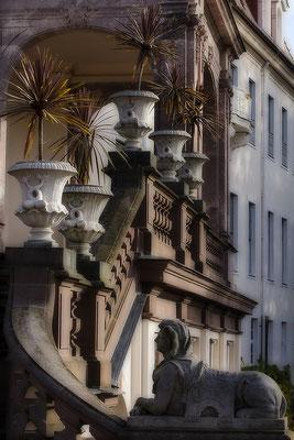 Gut bewacht / Barockschloß Lichtenwalde - © Helga Jaramillo Arenas - Fotografie und Poesie / Oktober 2017