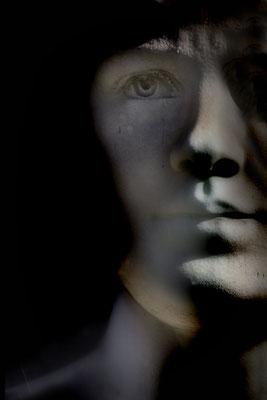 Schatten im Blick - © Helga Jaramillo Arenas - Fotografie und Poesie / Mai 2019