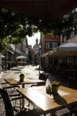 Der Abend in der Marktstraße / Öhringen - © Helga Jaramillo Arenas - Fotografie und Poesie / Juli 2017