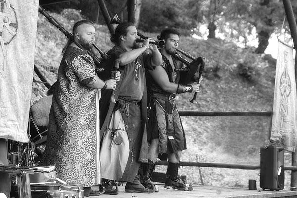 Die Spielleute Tarranis/Mittelalterfest auf der Ronneburg 2017 - © Helga Jaramillo Arenas - Fotografie und Poesie / Oktober 2017