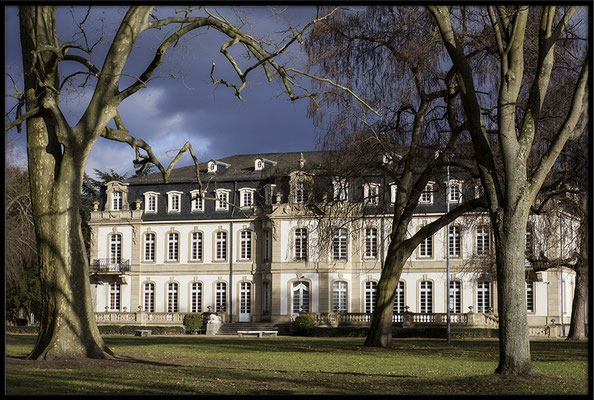 Wenn das Unwetter seine Schatten wirft / Büsing Palais Offenbach - © Helga Jaramillo Arenas - Fotografie und Poesie / Januar 2017