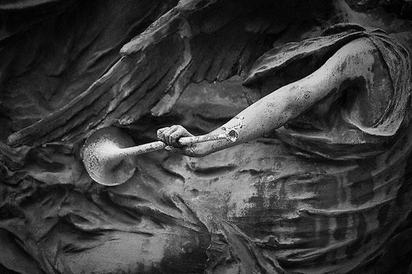 Kampfeslust in himmlischen Sphären (5) - © Helga Jaramillo Arenas - Fotografie und Poesie / September 2013