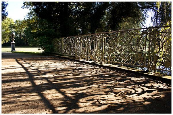 Brückenwege / Schloßgarten Sanssouci Potsdam - © Helga Jaramillo Arenas - Fotografie und Poesie / Oktober 2011