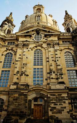 Dunkle Steine der Vergangenheit / Dresden - © Helga Jaramillo Arenas - Fotografie und Poesie / April 2011