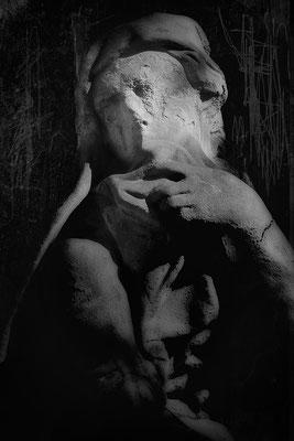 Den Blick für das Wesentliche verloren - © Helga Jaramillo Arenas - Fotografie und Poesie / Mai 2019