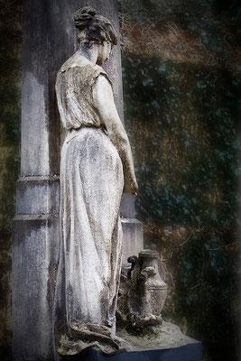 Schönheit aus groben Stein - © Helga Jaramillo Arenas - Fotografie und Poesie / April 2012