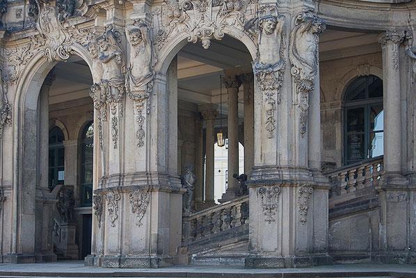 Meisterliche Baukunst (2) / Dresden - © Helga Jaramillo Arenas - Fotografie und Poesie / Mai 2011