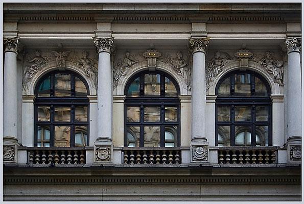 Augenwischerei- © Helga Jaramillo Arenas - Fotografie und Poesie / April 2012