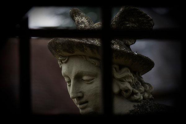 Ich weiß um einen Götterboten - © Helga Jaramillo Arenas - Fotografie und Poesie  / Juni 2014