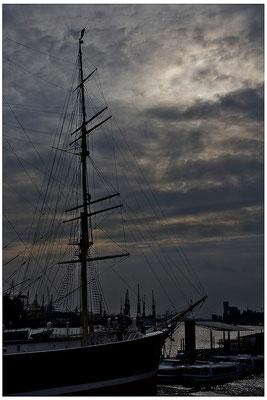 Im Hafen / Hamburg - © Helga Jaramillo Arenas - Fotografie und Poesie / Mai 2012