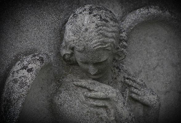 In sich gekehrt - © Helga Jaramillo Arenas - Fotografie und Poesie / Februar 2012