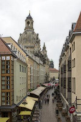 Unter dem Regenhimmel - Dresden -  © Helga Jaramillo Arenas - Fotografie und Poesie / Oktober 2020