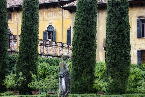 Paradiesgarten / Verona - Italien - © Helga Jaramillo Arenas - Fotografie und Poesie / Juni 2018