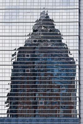 Puzzlespiel der hohen Häuser- © Helga Jaramillo Arenas - Fotografie und Poesie / Januar 2012