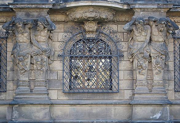 Meisterliche Baukunst (3) / Dresden - © Helga Jaramillo Arenas - Fotografie und Poesie / Mai 2011