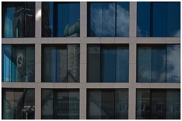 Gefangenes München - © Helga Jaramillo Arenas - Fotografie und Poesie / Februar 2012