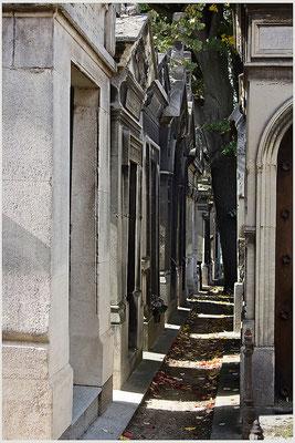 Stadt der Toten (1) - © Helga Jaramillo Arenas - Fotografie und Poesie / Oktober 2015