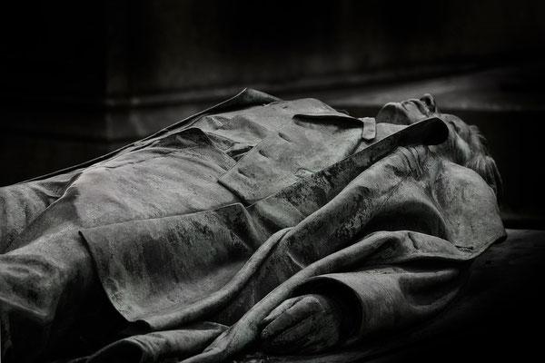 Der tragische Tod des Victor Noir (4) - © Helga Jaramillo Arenas - Fotografie und Poesie / November 2015