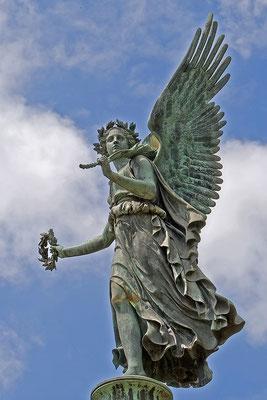 Wenn die Engel Kränze tragen - © Helga Jaramillo Arenas - Fotografie und Poesie  / Juli 2013