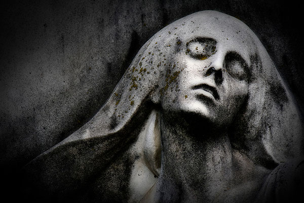 Und trägt den Tod im Angesicht (1) - © Helga Jaramillo Arenas - Fotografie und Poesie / Januar 2014