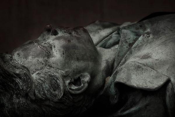 Der tragische Tod des Victor Noir (3) - © Helga Jaramillo Arenas - Fotografie und Poesie / November 2015