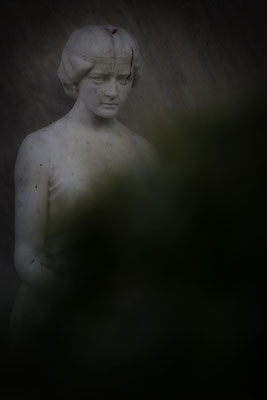 Vor Schatten stehen - © Helga Jaramillo Arenas - Fotografie und Poesie / Dezember 2018
