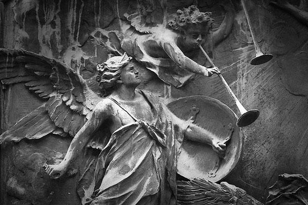 Kampfeslust in himmlischen Sphären (13) - © Helga Jaramillo Arenas - Fotografie und Poesie / September 2013