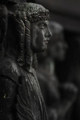 Miteinander aus dem Dunkel treten - © Helga Jaramillo Arenas - Fotografie und Poesie / Januar 2016