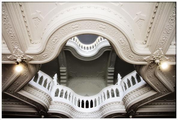 Ein Treppenhaus wie Porzellan (1) - © Helga Jaramillo Arenas - Fotografie und Poesie / Mai 2017