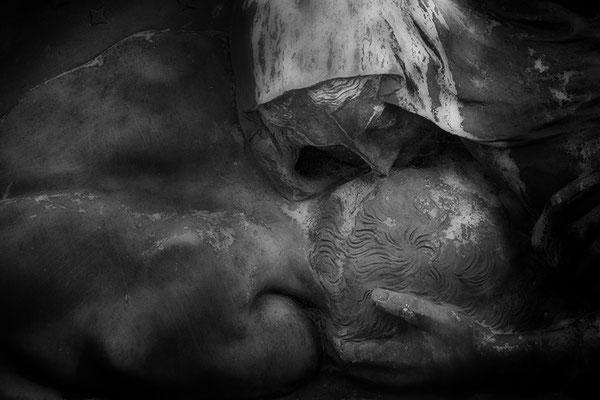 Berührt -  © Helga Jaramillo Arenas - Fotografie und Poesie / August 2021