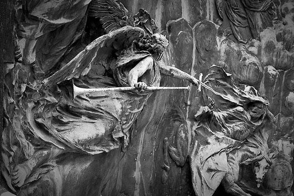 Kampfeslust in himmlischen Sphären (6) - © Helga Jaramillo Arenas - Fotografie und Poesie / September 2013