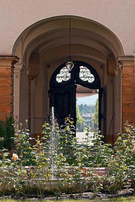 Verlockender Ausblick / Schloß Seehof Memmelsdorf - © Helga Jaramillo Arenas - Fotografie und Poesie / Juni 2015