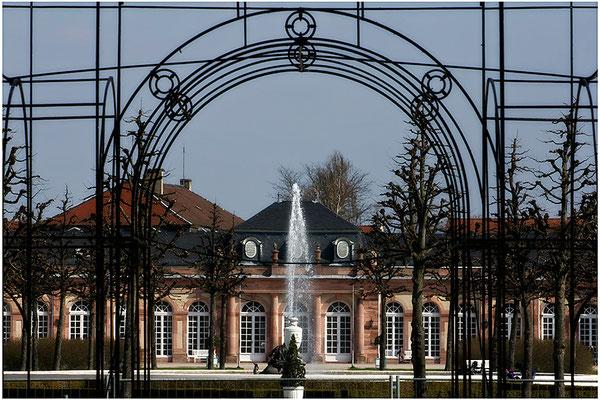 Das Tor zum Paradies / Schloßgarten Schwetzingen - © Helga Jaramillo Arenas - Fotografie und Poesie / März 2015
