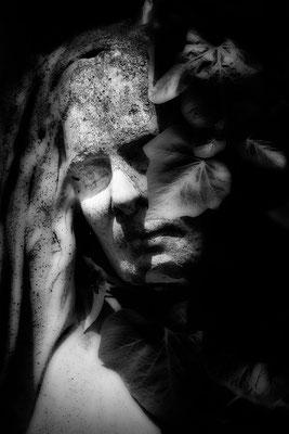 So weit entfernt - © Helga Jaramillo Arenas - Fotografie und Poesie / Juli 2017