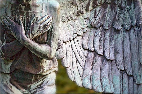 Schützende Hände umschliessen mein Herz - © Helga Jaramillo Arenas - Fotografie und Poesie / Februar 2014