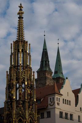 Kirchturmspitzen / Nürnberg - © Helga Jaramillo Arenas - Fotografie und Poesie / Juni 2011