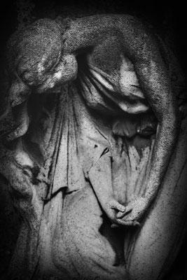 Der grausame Mangel an Liebe - © Helga Jaramillo Arenas - Fotografie und Poesie / Mai 2018