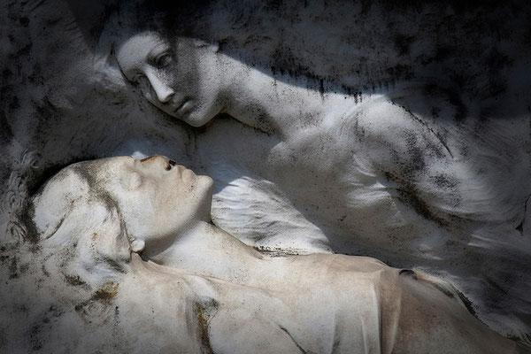 Im Reich der Schatten (2) - © Helga Jaramillo Arenas - Fotografie und Poesie / September 2013