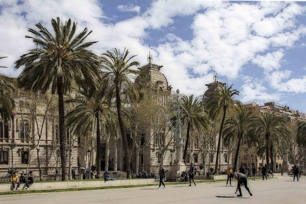 Die Ruhe vor dem Sturm - Barcelona/Promenade Passeig de Lluis Campanys - © Helga Jaramillo Arenas - Fotografie und Poesie / Mai 2020