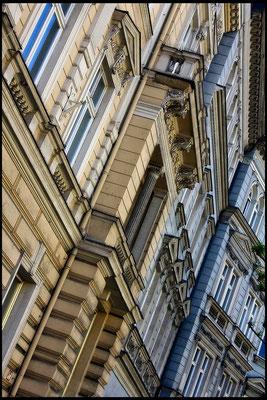 Die Schönheit alter Fassaden - © Helga Jaramillo Arenas - Fotografie und Poesie / Juni 2015