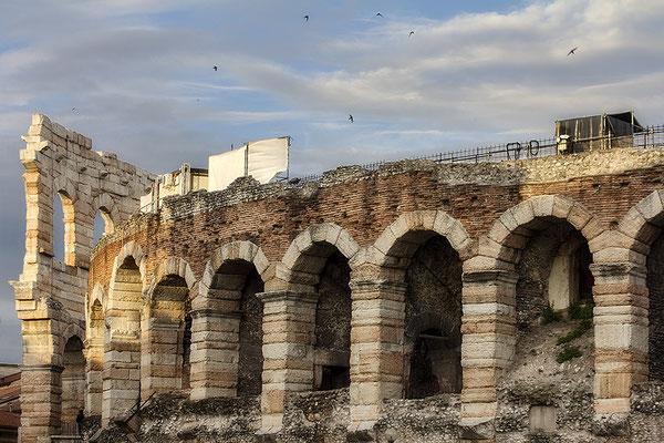 Steine, die Geschichte erzählen / Arena di Verona (2) - © Helga Jaramillo Arenas - Fotografie und Poesie / Juni 2018