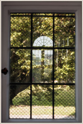 Das Fenster im Garten - © Helga Jaramillo Arenas - Fotografie und Poesie / September 2016