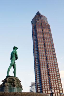 Hermes in der Moderne - © Helga Jaramillo Arenas - Fotografie und Poesie / März 2014