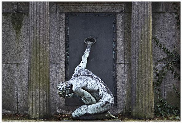 Die Schwere des Loslassens (5) - © Helga Jaramillo Arenas - Fotografie und Poesie / Dezember 2011